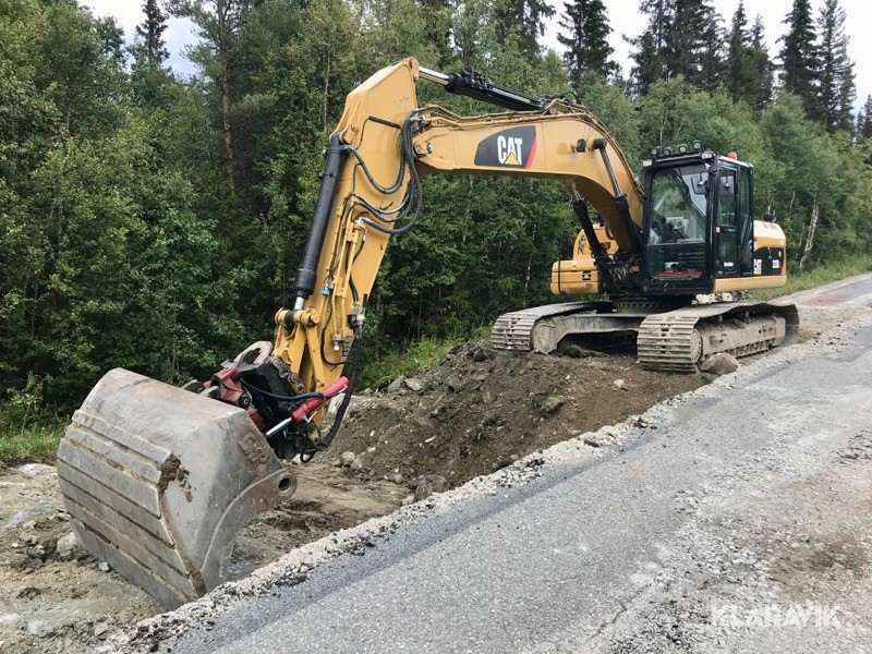 Bandgrävare Caterpillar 323 DL